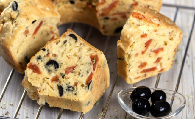 Salty cake with olives and tomatoes